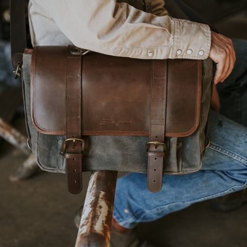 Everyday Carry Laptop Messengenger Bag in Charcoal