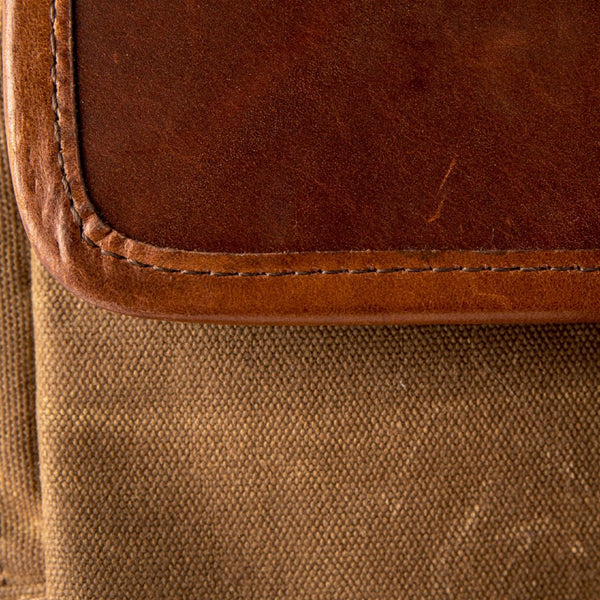 Everyday Carry Laptop Messenger Bag Tan Swatch
