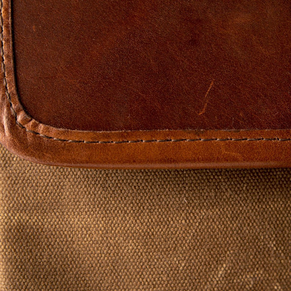 Medium Crossbody Wallet Purse Tan Swatch