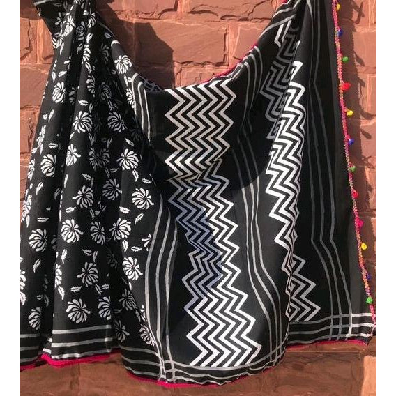 White black soft mulmul cotton saree for a comfort wear