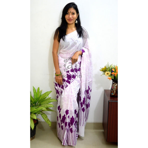 Gorgeous mulmul cotton saree with floral magenta border