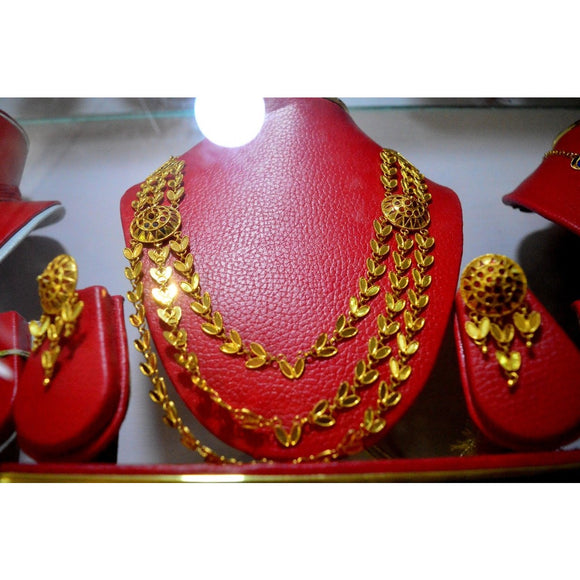 Unique design japi design jewellery set for grand occasion
