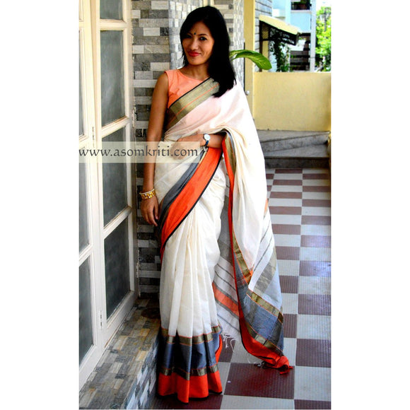 Off white Silk cotton Maheshwari Saree with plain body and zari border