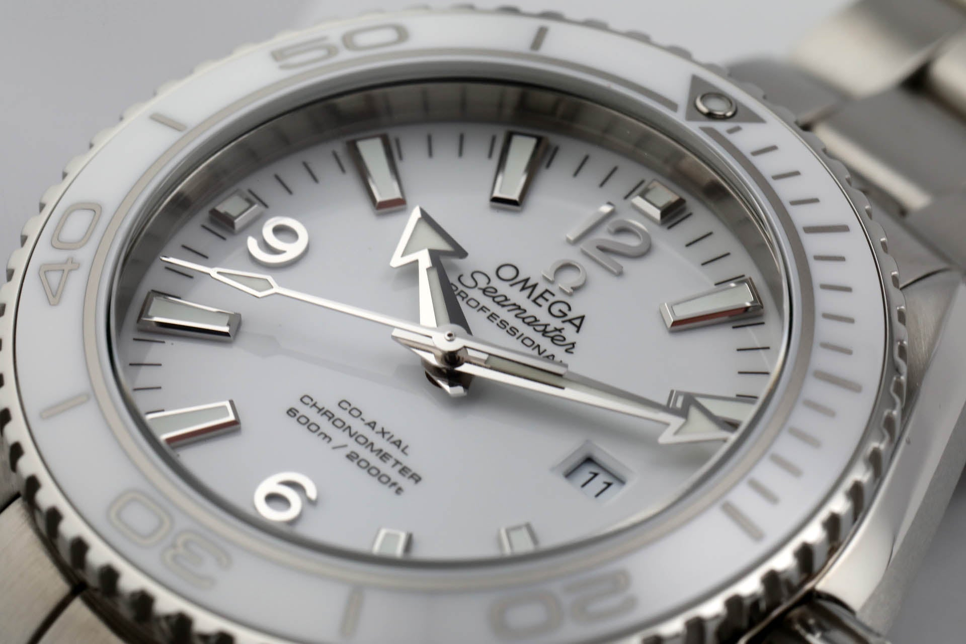 Omega white Planet Ocean 600m Co‑Axial 37.5mm