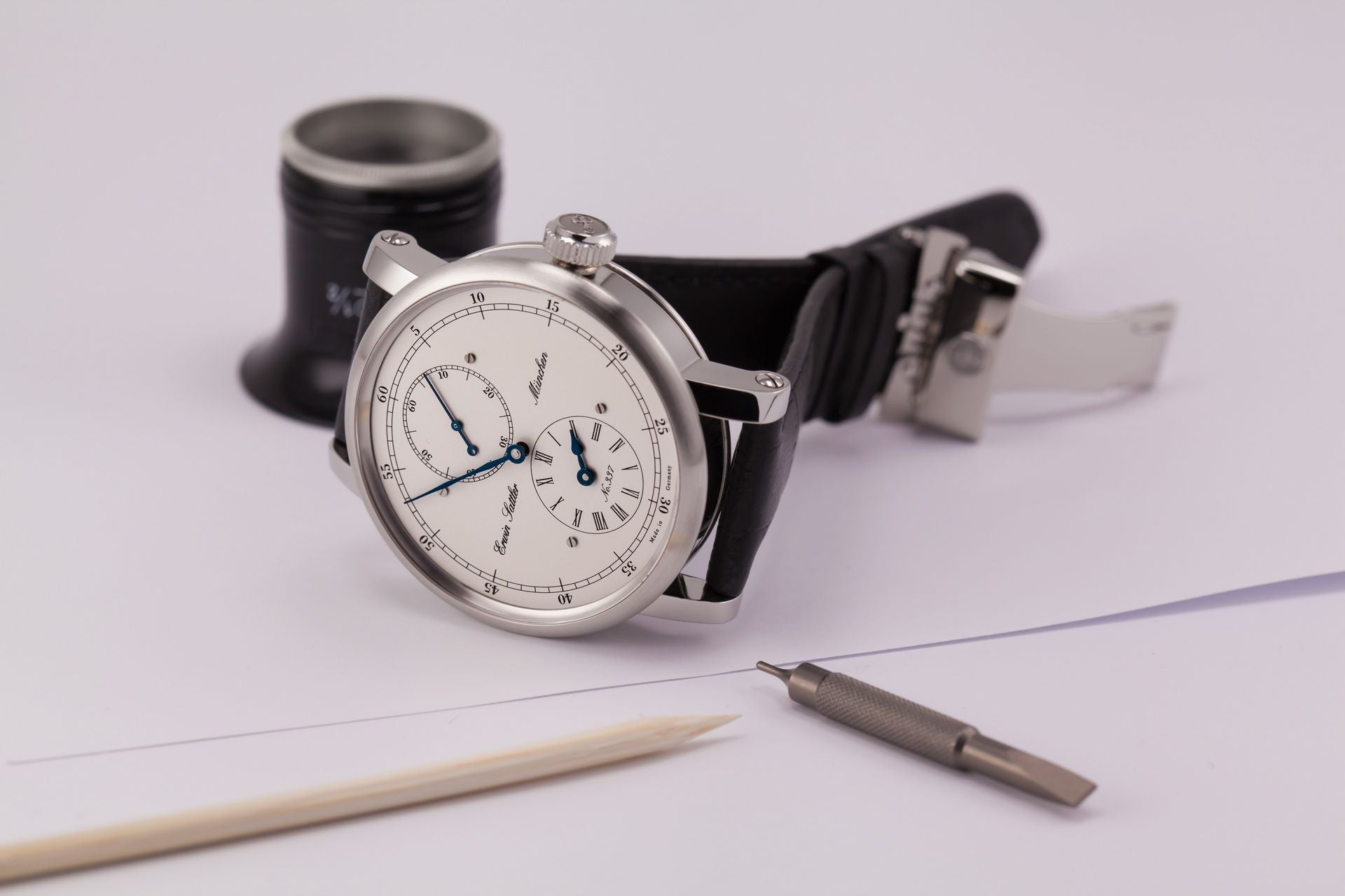 Erwin Sattler Regulateur Classica Secunda Jumping Second Stainless Steel