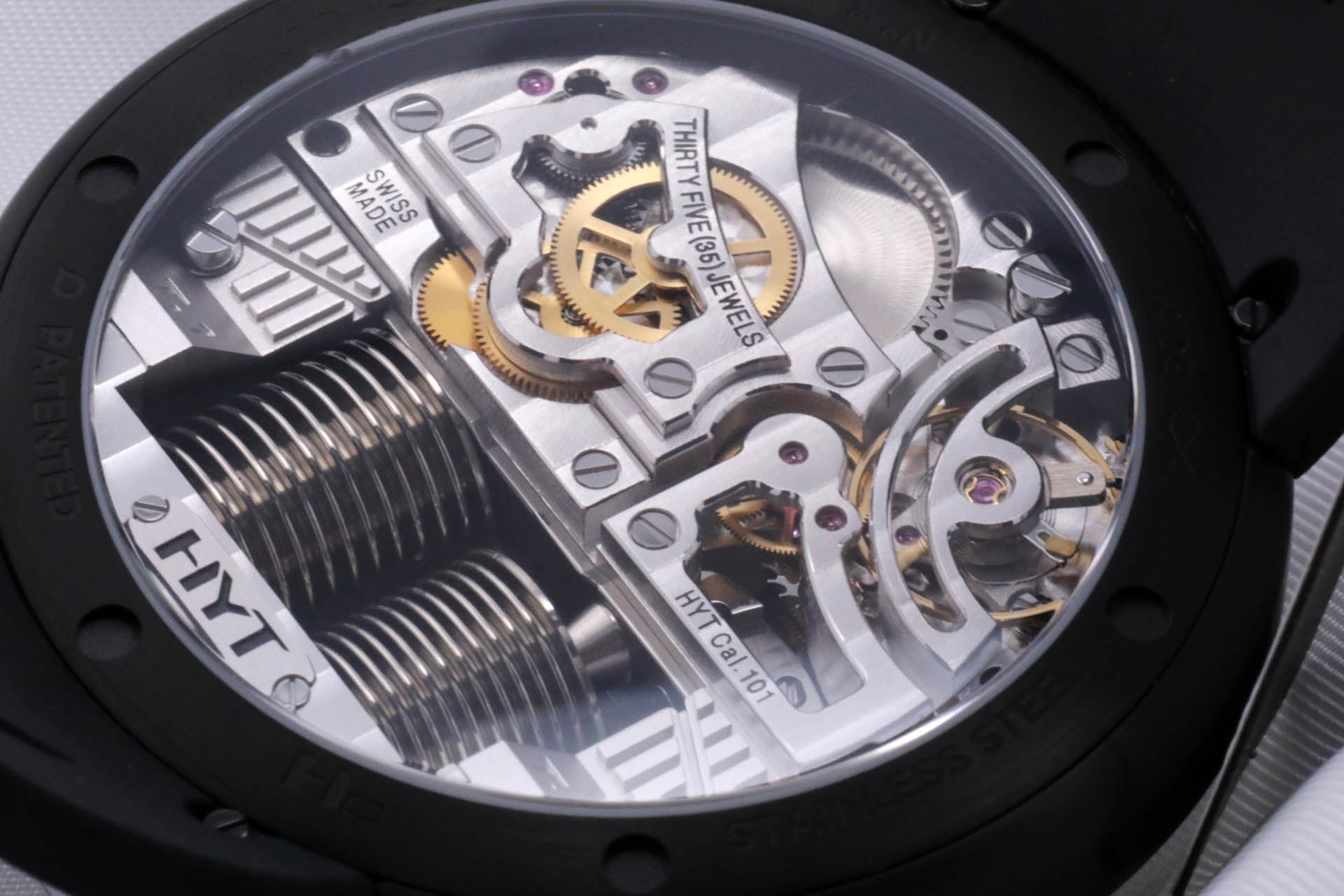 HYT H0 steel black dial