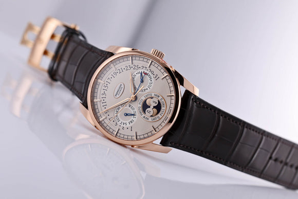 Parmigiani Fleurier TONDA CALENDRIER ANNUEL ROSE GOLD GRAINED WHITE - The Luxury Well
