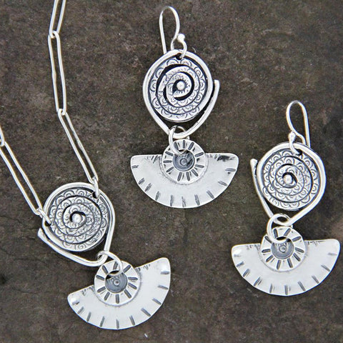 Textured Spiral and Fan Jewelry Set