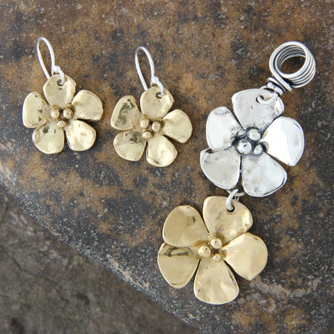 Flower Pendant and Earrings Jewelry Set