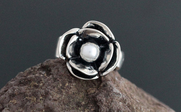Double Dogwood Pearl Ring