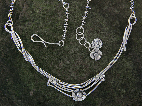Vine Neck Ring with Daisy Flower