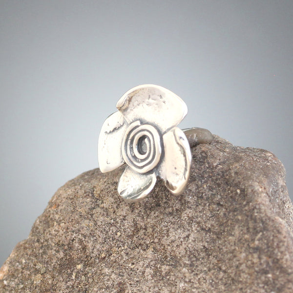 Small Spiral Flower Scatter Pin