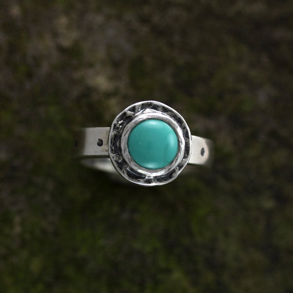 Sterling Silver Turquoise in Textured Bezel Ring - Size 9 1/4