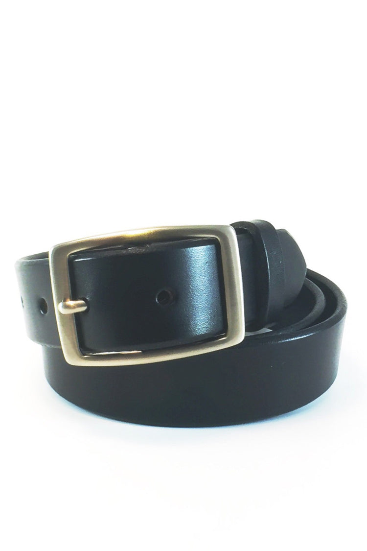 Men's leather dress belt. Handcrafted from soft durable bridle leather. Comes with silver buckle. Amish made.