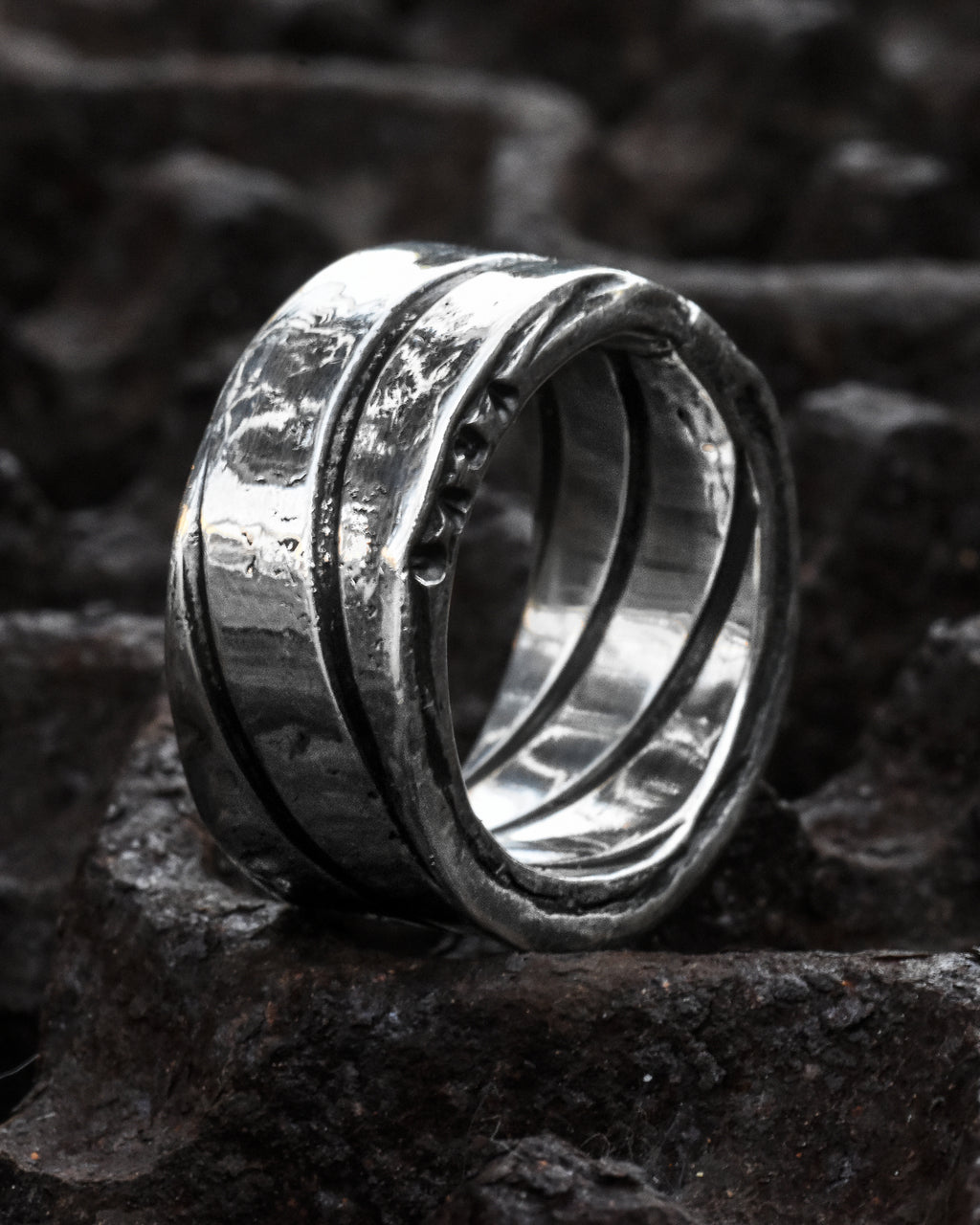 ZG8003 Spiral Silver Ring Oxidized