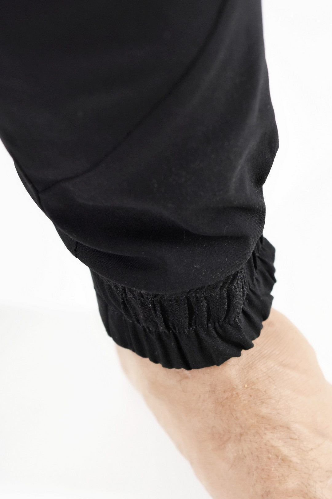 Mens Pants Black with Pocket Detail and Elasticated Cuff ZG5175