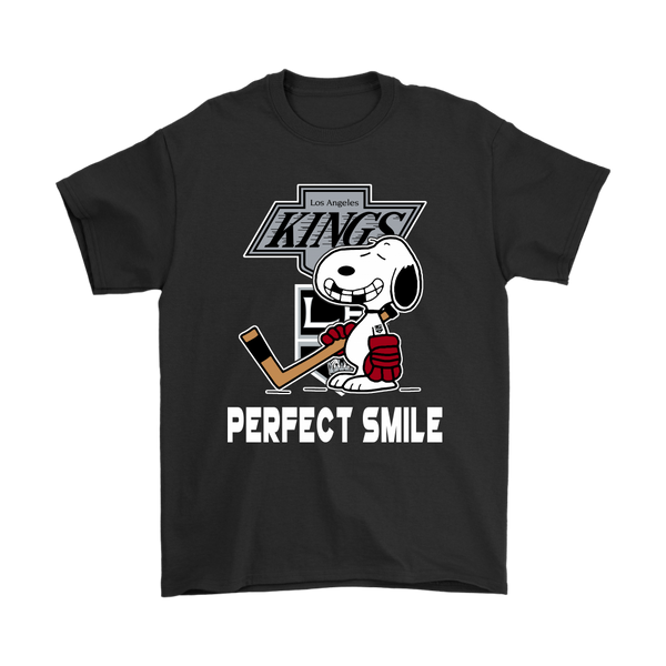 NHL – Los Angeles Kings Snoopy Perfect Smile Hockey NHL Funny Shirts-T-shirt-Gildan Mens T-Shirt-Black-S-Itees Global