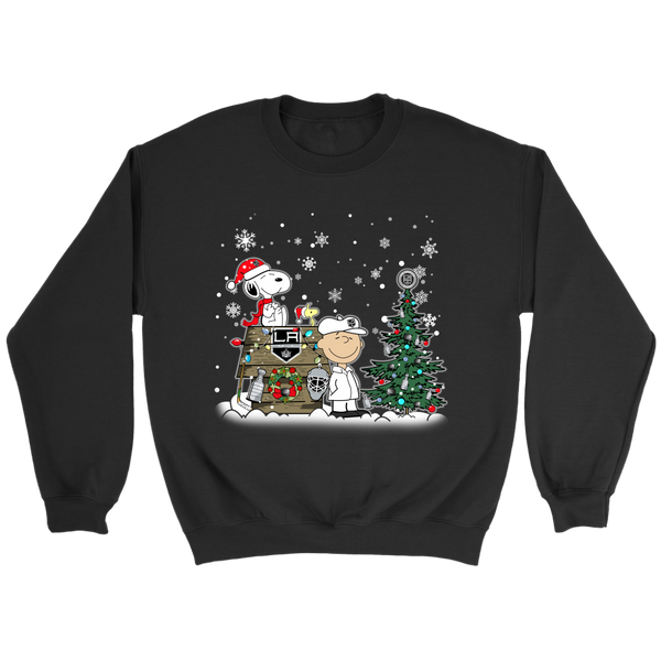 NHL – Los Angeles Kings Snoopy The Peanuts Movie Christmas Hockey Stanley Cup Sweatshirt-T-shirt-Crewneck Sweatshirt-Black-S-Itees Global