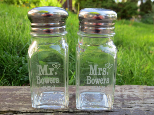 For the Perfect Par - Personalized Glass Salt and Pepper Shakers