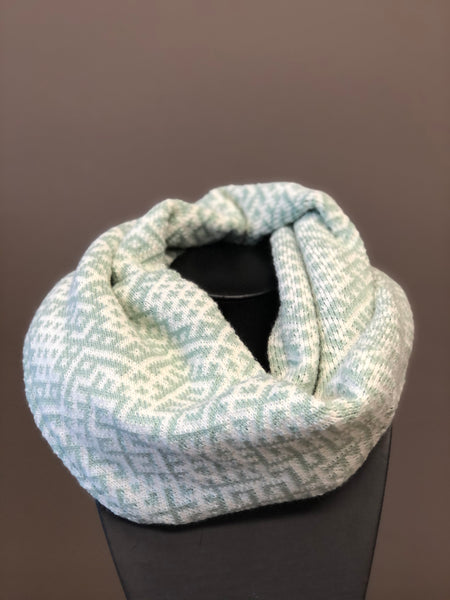 Infinity scarf - Light green