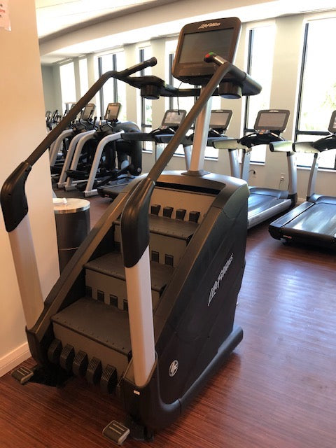 climber stepper life fitness