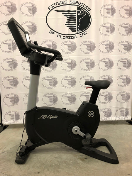 Life Fitness 95C Elevation Series with Discover SE Console(refurbished)