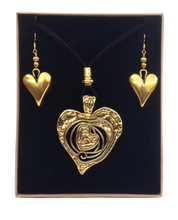 Large Heart Lagenlook Pendant Necklace & Earring Set in Antique Gold
