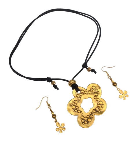 Short to Mid Length Lagenlook Flower Pendant Necklace & Earring Set in Gold/Antique Gold