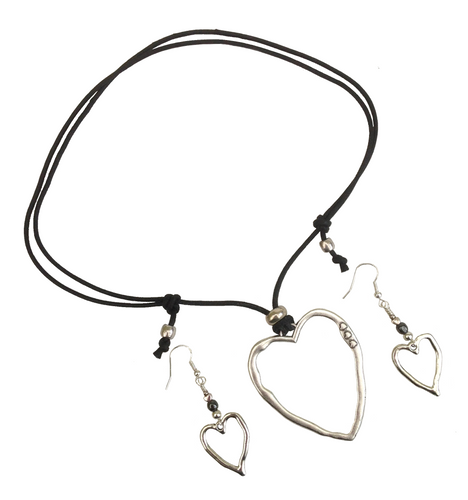 Short to Mid Length Lagenlook Heart Pendant Necklace & Earring Set in Antique Silver
