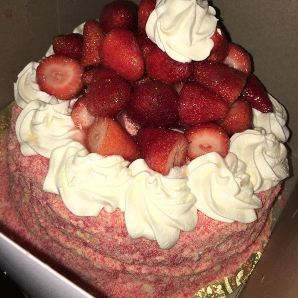 Strawberry Shortcake Cheesecake With Sweetened Strawberries