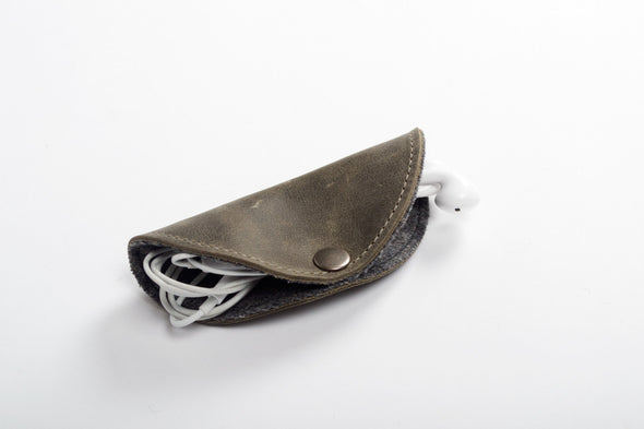 The Esplanade Cord Organizer in Olive Green