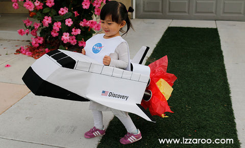 IZZAROO - DIY Space Shuttle Halloween Costume