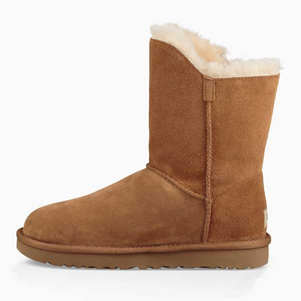 29ba99c3920 UGG Women's Classic Short Turnlock Boot (1094933) Chestnut
