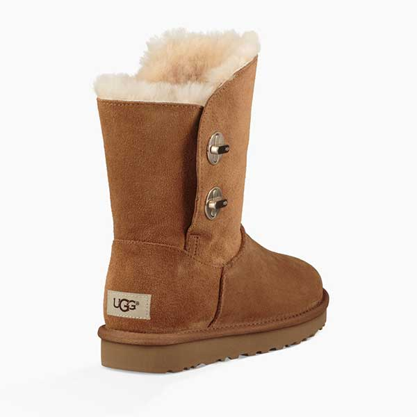 5c8762de033 UGG Women's Classic Short Turnlock Boot (1094933) Chestnut -