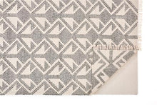 Load image into Gallery viewer, Poulson Rug - Black/Cream