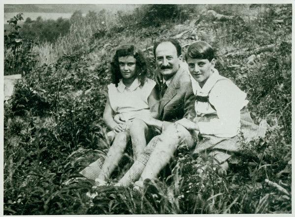 Dorothea Dessauer, 2nd wife of artist Garth Williams, with her parents