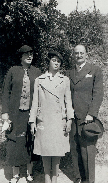 Dorothea Dessauer with her parents