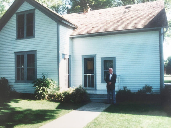 Garth Williams visiting Laura Ingalls Wilder homestead in De Smet South Dakota