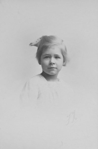 Childhood portrait of Gunda von Davidson