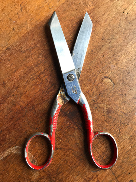 vintage kitchen scissors with red handles
