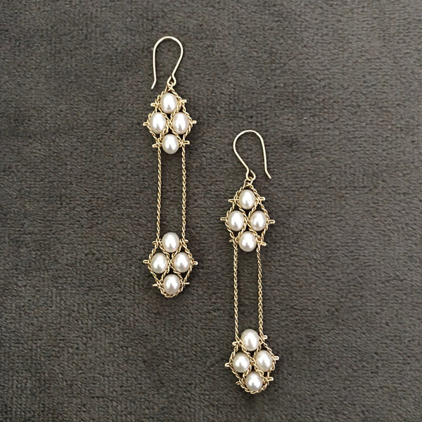 2 Nugget Earrings in white pearls