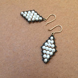 Outlined Diamond earrings in white pearls and oxidized sterling silver