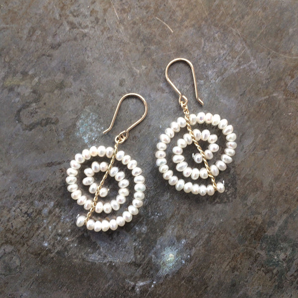 Estyn Hulbert Single Spiral Earrings in white pearls