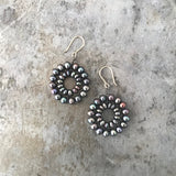 Black pearl Daisy earrings