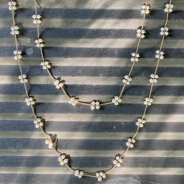 Tiny Squares necklace in pearls