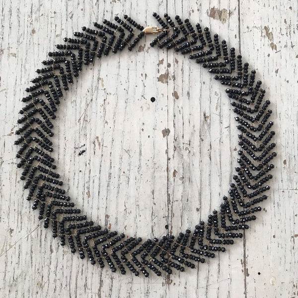 Black spinel Wild Geese choker necklace