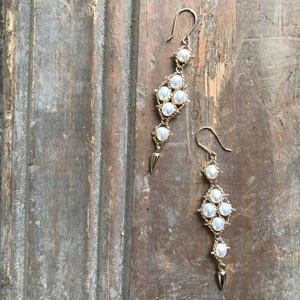 White pearl Arrowhead earrings