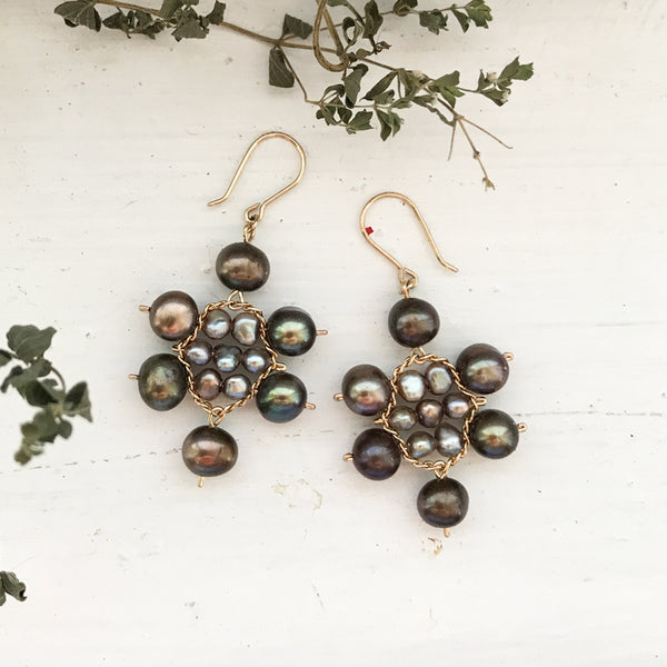Beige and brown pearl small Kilim earrings