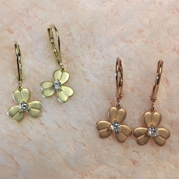 Matte Gold Flower Earrings Itsallagift