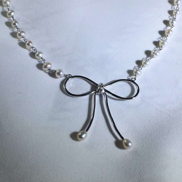 Pearl Bow Necklace Itsallagift